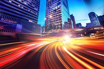 急速に低価格化するオールフラッシュストレージ、その背景と価格